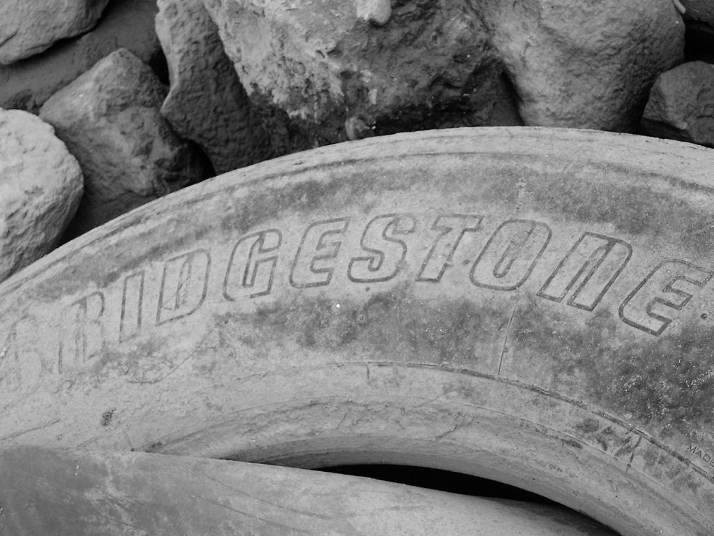 bridgestone 1258944 1280x960